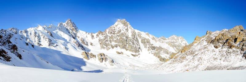 Panorama del Cáucaso imagen de archivo libre de regalías