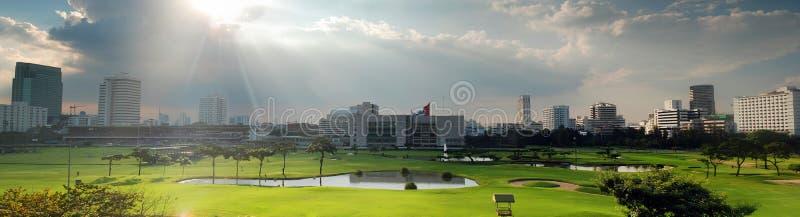 Panorama del campo del golf fotografía de archivo libre de regalías
