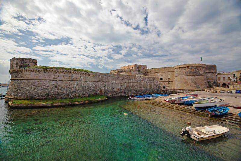 Panorama del centro storico della città antica di Gallipoli immagini stock