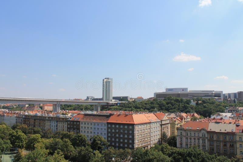 Panorama del distretto di Nusle a Praga, repubblica Ceca fotografia stock libera da diritti