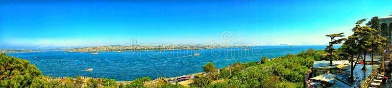 Panorama del estrecho de Bósforo del palacio de Topkapi, Estambul fotografía de archivo libre de regalías