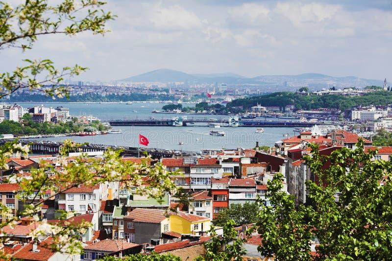 Panorama del golfo de oro del claxon y del Bosphorus foto de archivo
