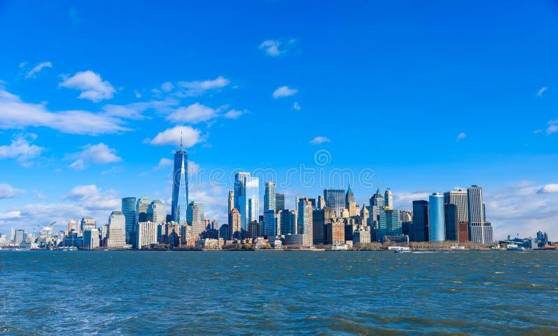 Panorama del horizonte de New York City del Lower Manhattan de Hudson River, New York City, los E.E.U.U. foto de archivo libre de regalías