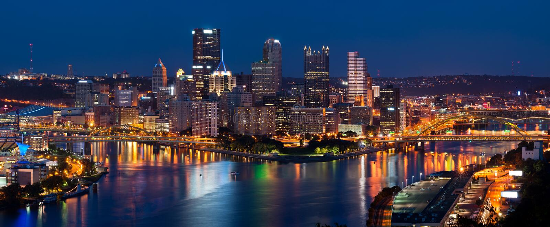 Panorama del horizonte de Pittsburgh. imagenes de archivo
