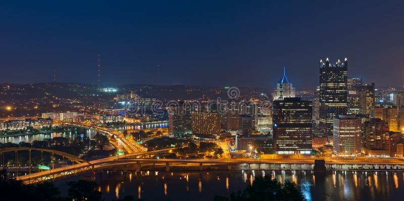 Panorama del horizonte de Pittsburgh. imagen de archivo