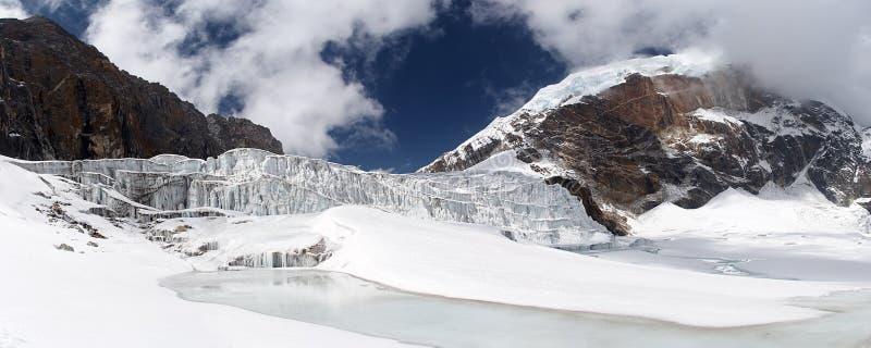 Panorama del icefall del glaciar, Himalaya, Nepal imagen de archivo