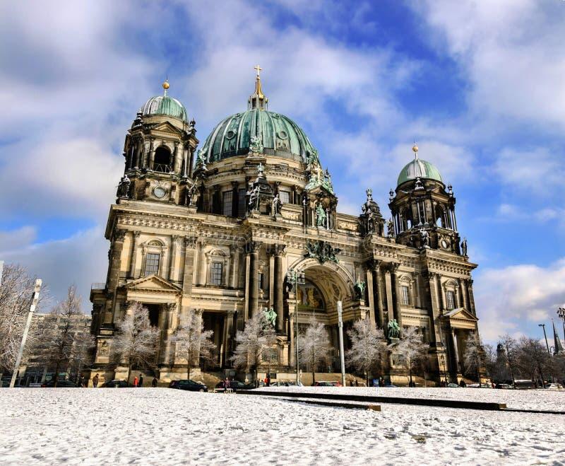 Panorama del invierno de Berlin Dom imagen de archivo