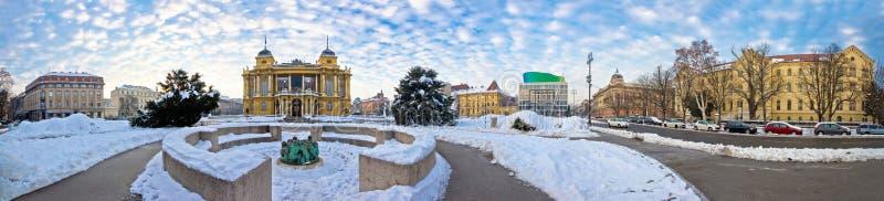 Panorama del invierno del cuadrado de Tito del mariscal de Zagreb imágenes de archivo libres de regalías