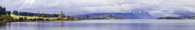 Panorama del lago fotografia stock