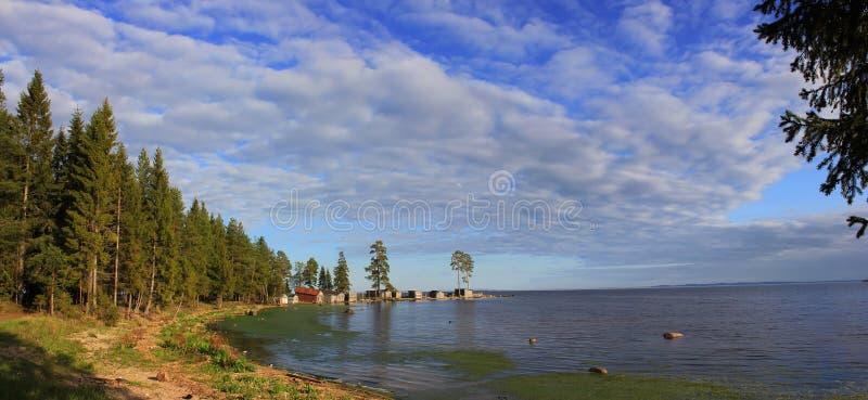 Panorama del lago Onega, Carelia, Russia immagini stock libere da diritti