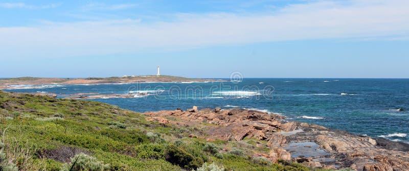 Panorama del litorale Augusta Aust ad ovest della roccia di Skippy. fotografie stock