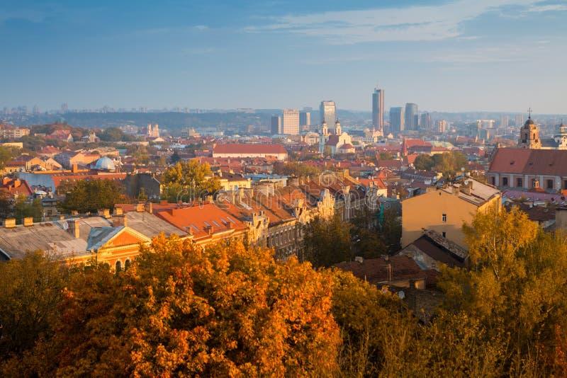Panorama del otoño de Vilna lituania fotografía de archivo