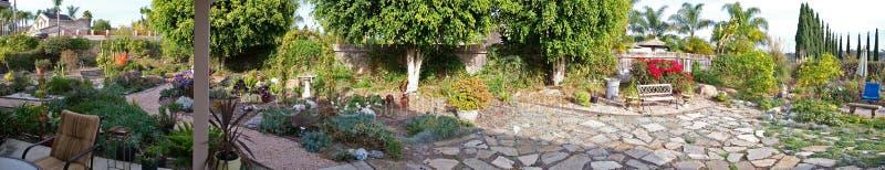 Panorama del paesaggio del cortile immagine stock libera da diritti