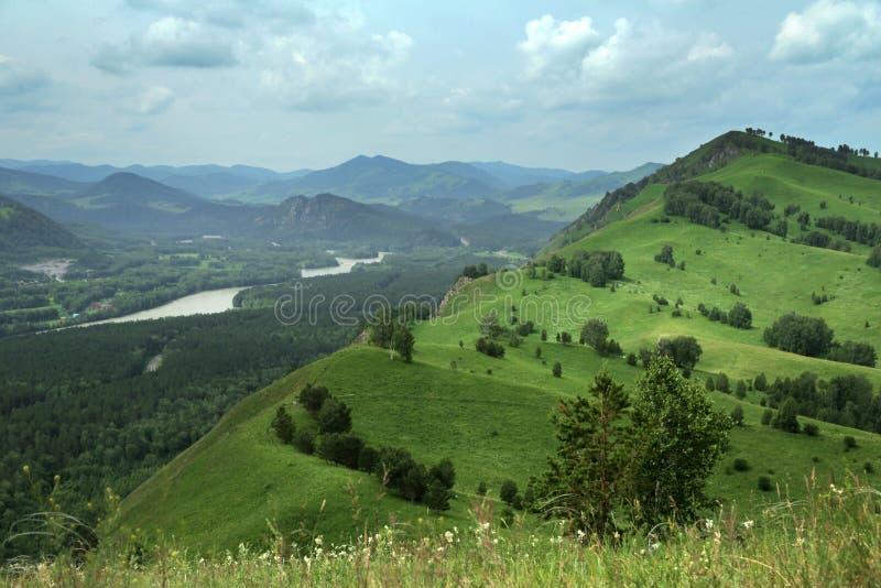 Panorama del paesaggio della montagna immagini stock libere da diritti