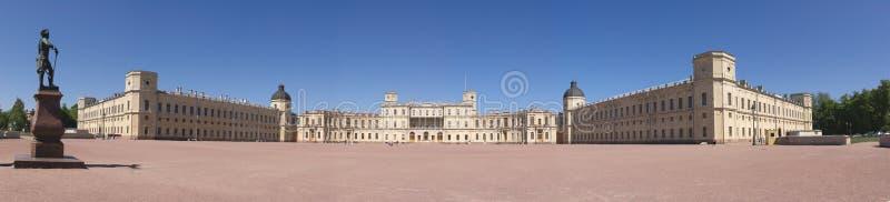 Panorama del palacio de Gatchina fotografía de archivo libre de regalías