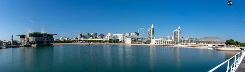 Panorama del parc de naciones en Lisboa, mostrando el acuario y el paisaje urbano adyacente fotos de archivo