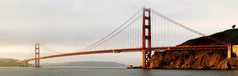 Panorama del ponticello di cancello dorato fotografie stock