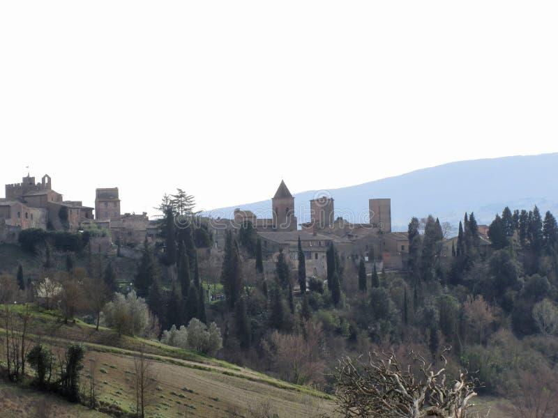 Panorama del pueblo de Certaldo, provincia de Florencia Toscana, Italia imágenes de archivo libres de regalías