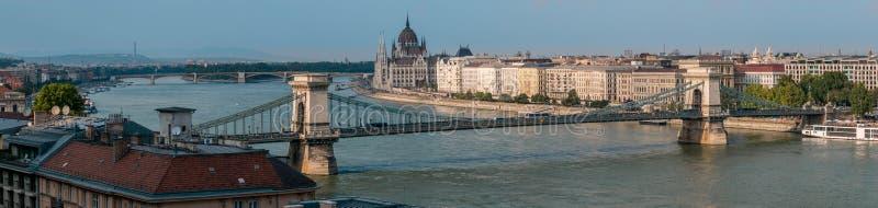 Panorama del puente de cadena, Budapest, Hungría fotografía de archivo libre de regalías