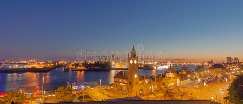 Panorama del puerto de Hamburgo fotografía de archivo