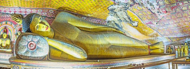 Panorama del templo de la cueva de Dambulla imagenes de archivo