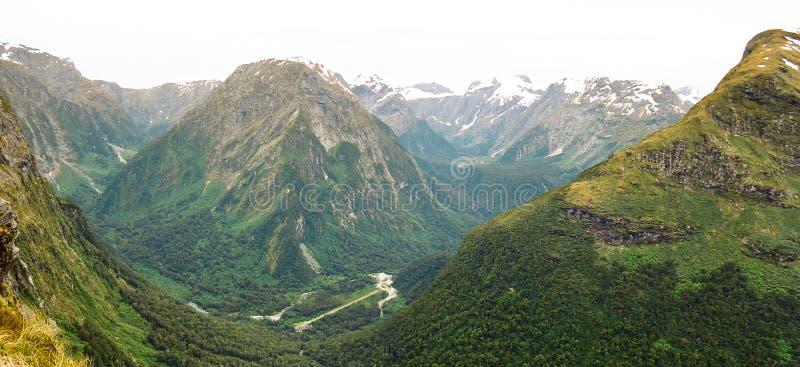 Panorama del valle de Arturo, pista de Milford imagen de archivo