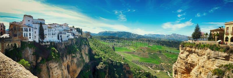 Panorama del villaggio storico di Ronda, Spagna immagine stock
