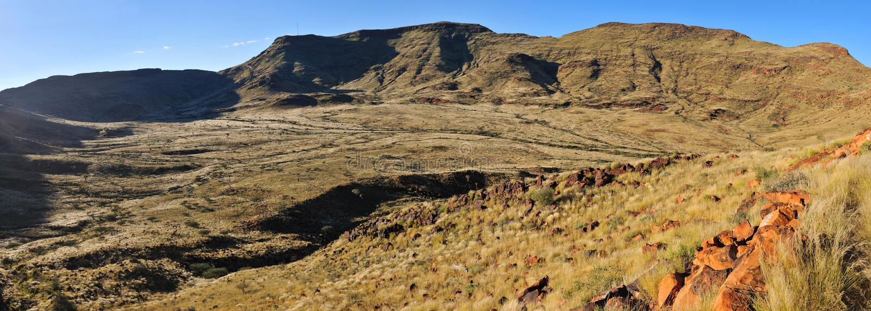 Panorama del volcana estinto di Brukkaros, Namibia immagine stock