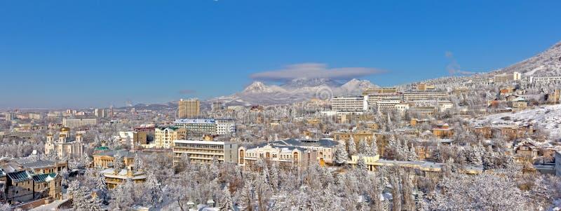 Panorama dell'inverno Pjatigorsk. immagine stock