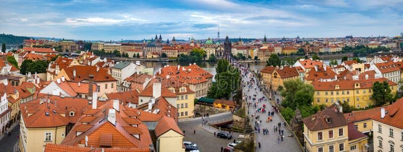 Panorama dell'orizzonte della città di Praga fotografie stock