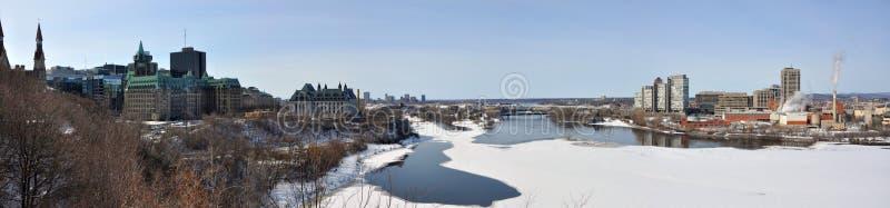 Panorama dell'orizzonte di Gatineau nell'inverno, Ottawa, Canada immagini stock