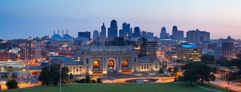 Panorama dell'orizzonte di Kansas City. immagini stock libere da diritti