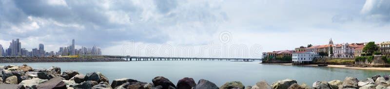 Panorama dell'orizzonte di Panama City di antiguo di casco fotografia stock libera da diritti