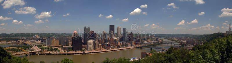Panorama dell'orizzonte di Pittsburgh immagini stock