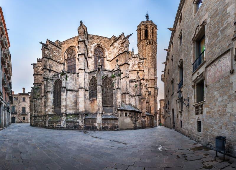 Panorama della cattedrale dell'incrocio e del san santi Eulalia fotografie stock libere da diritti