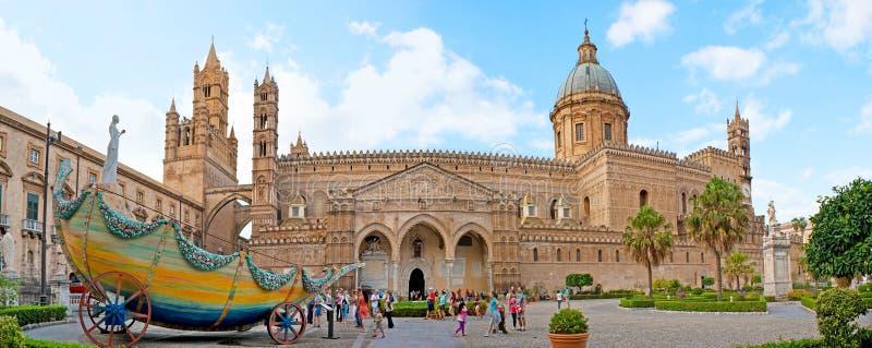 Panorama della cattedrale di Palermo fotografie stock