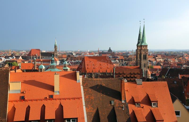 Panorama della città di Norimberga in Germania in Europa centrale con il roo immagine stock