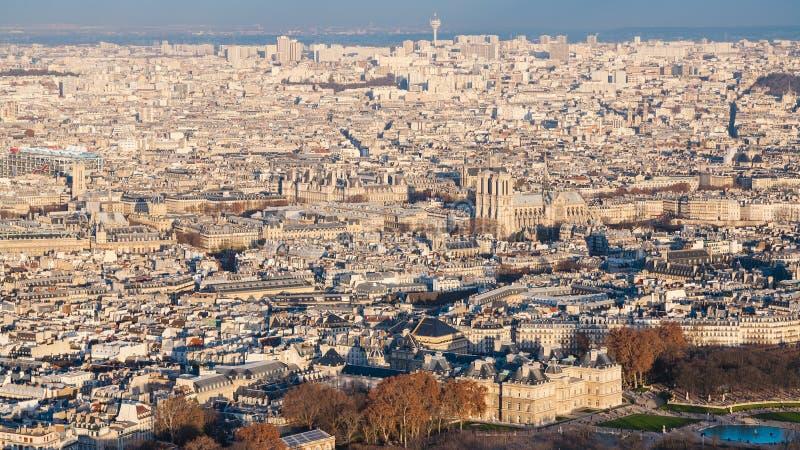 Panorama della città di Parigi con il giardino del Lussemburgo immagini stock