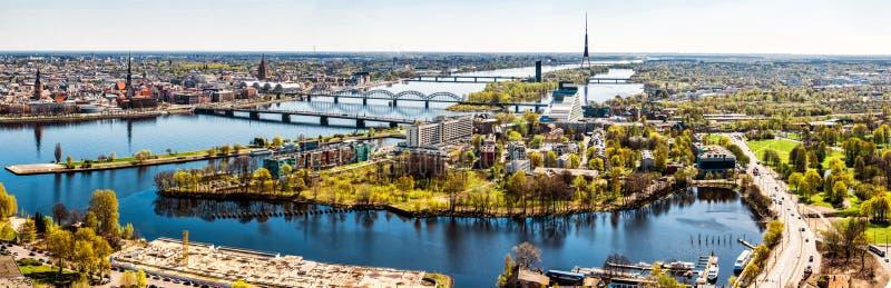 Panorama della città di Riga immagine stock libera da diritti
