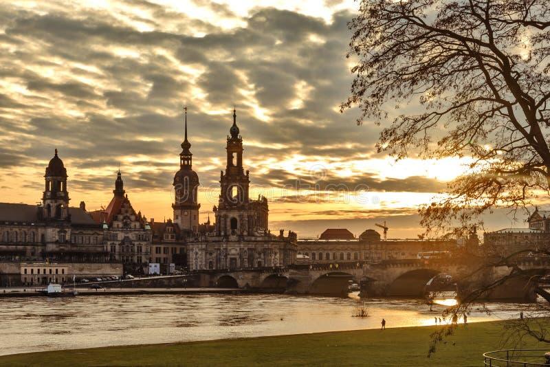Panorama della città germany saxony Fiume Elbe Centro di vecchia città fotografia stock libera da diritti