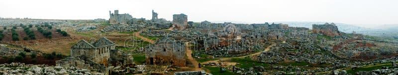Panorama della città morta abbandonata rovinata Serjilla in Siria immagine stock libera da diritti