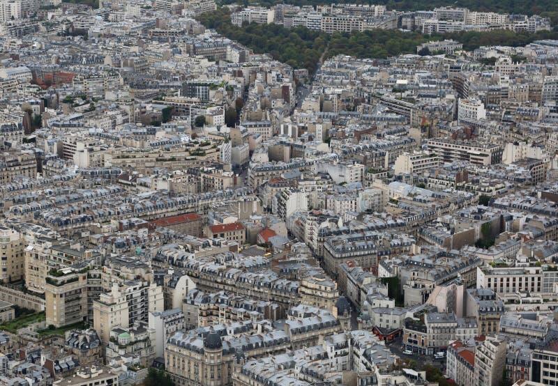 panorama della città parigina veduta dalla torre Eiffel immagini stock