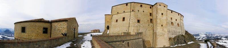 Panorama della fortezza di San Leo immagini stock