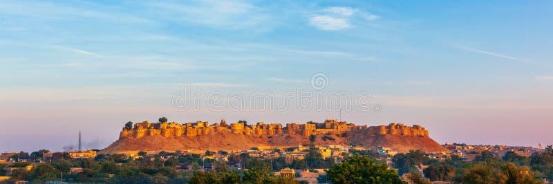 Panorama della fortificazione di Jaisalmer conosciuto come il quila forte dorato del sonar, fotografie stock