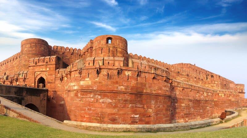 Panorama della fortificazione rossa a Agra, India fotografia stock libera da diritti