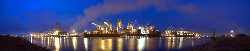 Panorama della nave porta-container fotografia stock libera da diritti