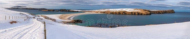 Panorama della spiaggia della st Ninian innevato immagini stock libere da diritti