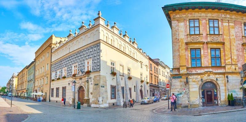 Panorama della via medievale di vecchia Cracovia, Polonia immagini stock libere da diritti