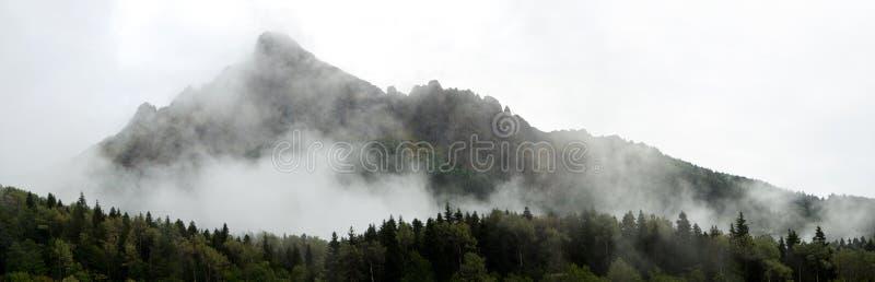 Panorama delle montagne fotografie stock