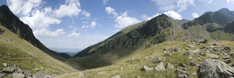 Panorama delle montagne di Fagaras fotografia stock